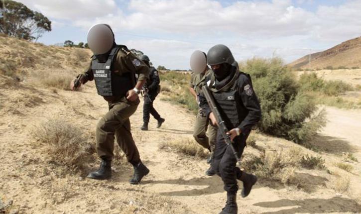 إيقاف 16 سوريا بصدد اجتياز الحدود الجزائرية التونسية خلسة