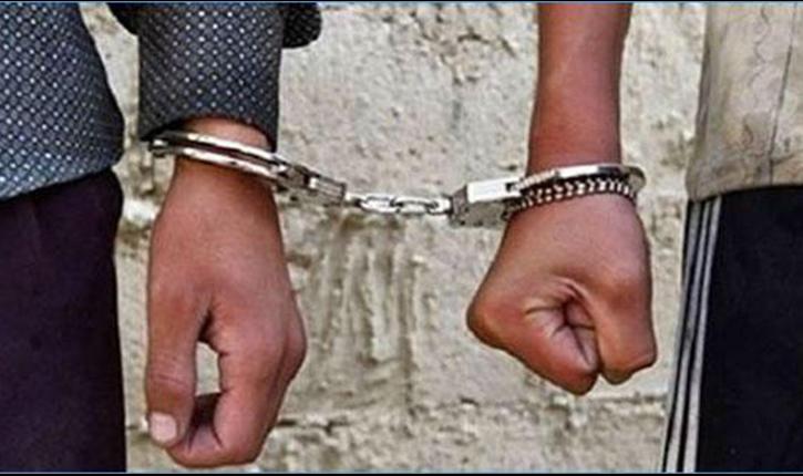 إلقاء القبض على شخصين للاشتباه في قضية تتعلق بالسرقة