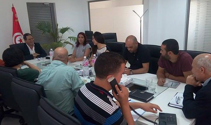 أنباء تونس  منها كاب اف ام : نقابة الصحفيين تطالب بمراجعة الرخص المسندة للإذاعات و التلفزات - أنباء تونس