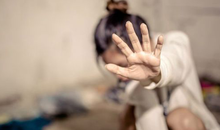 أريانة: محاولة إنتحار تلميذة إثر تحرش أستاذها الذي يمثل أمام القضاء في حالة إيقاف