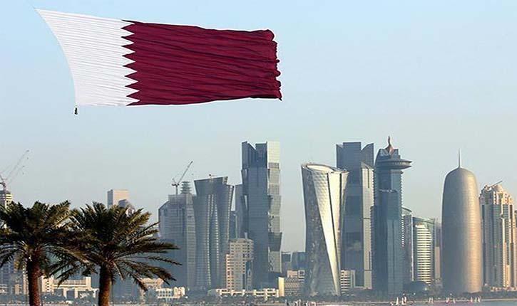قطر تلغي رسميًا نظام تأشيرات الخروج للعمّال